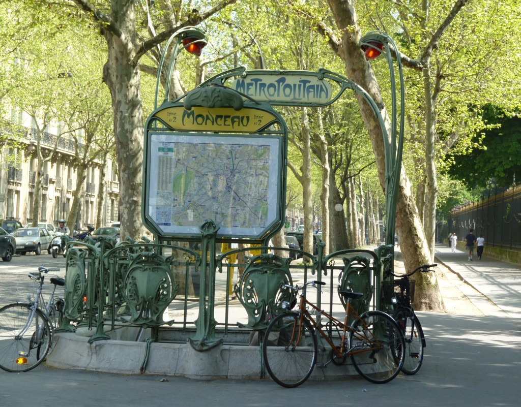 Guide for visitors to Paris