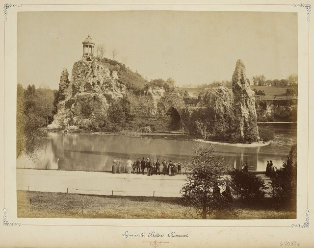 1280px-Paris_et_ses_environs_1890-1900_square_des_buttes_chaumont
